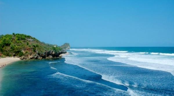 Menilik Daya Pikat pantai Perawan Pantai Watu Kodok