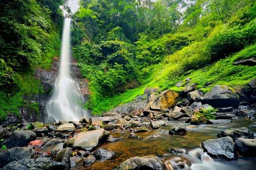 Lokasi Wisata Bali Air terjun Populer