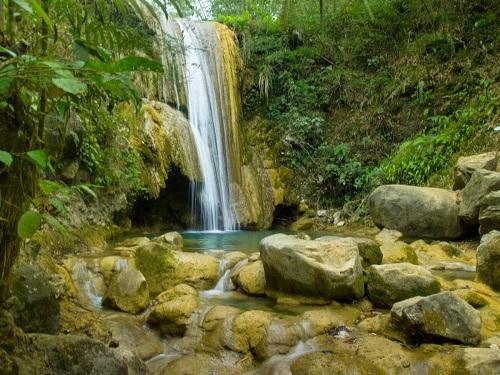 Ini Dia Wisata Air Terjun, Curug Watu Sewu Di Kedalaman Hutan Giriloyo