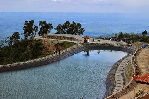 Wisata Gunung Kidul Batara Sriten, Embung Air di Puncak Gunung Kidul