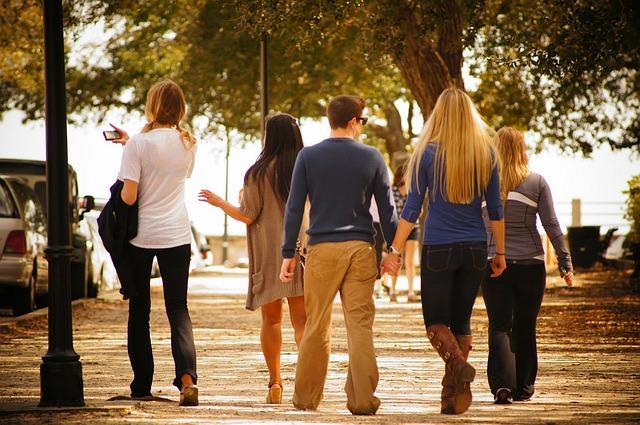Bolos kuliah, trus pergi jalan-jalan